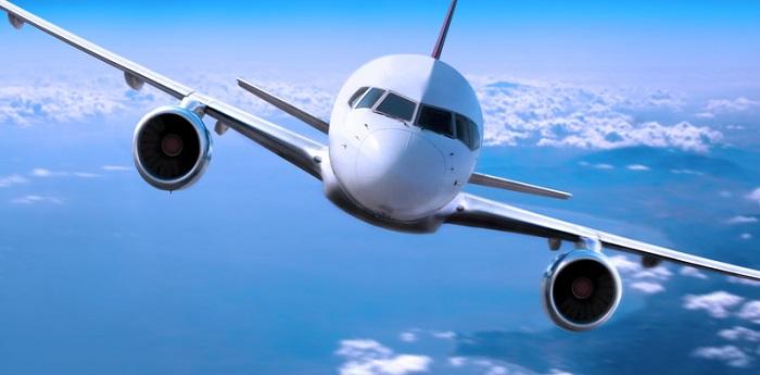 Flygplan i ljudhastighet spränger ljudvallen beroende på temperatur