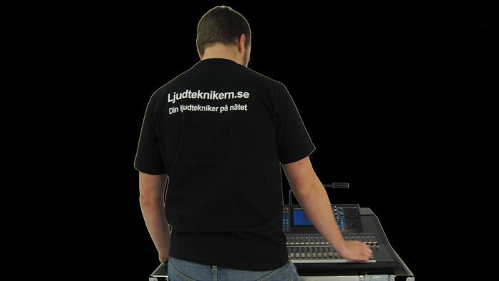 Ljudtekniker vid mixerbordet